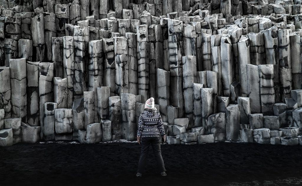 Plaża Reynisfjara - kolumny skalne Gardar