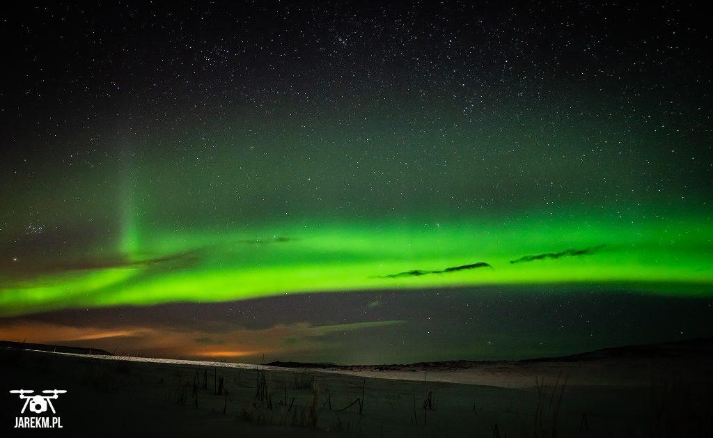Zorza polarna na Islandii. Światła północy w pełnej krasie.