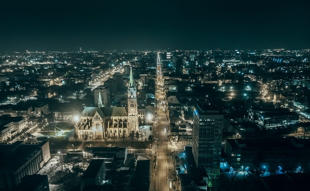 Zdjęcie z drona w Łodzi, nocą
