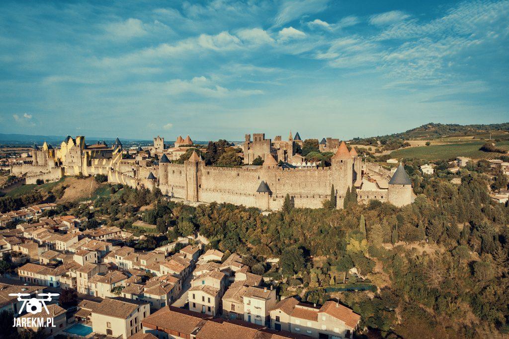 Zdjęcie zamku Carcassonne wykonane z użyciem drona.