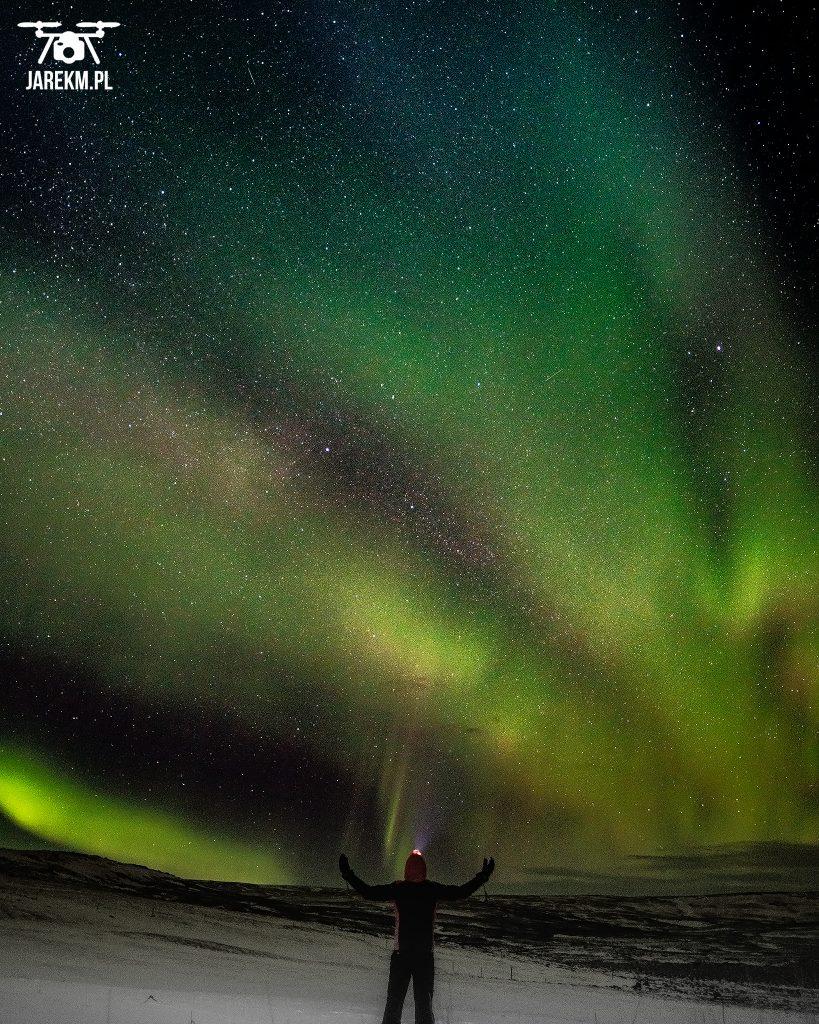 Niebo płonie za zielono :) Zorza polarna na Islandii.