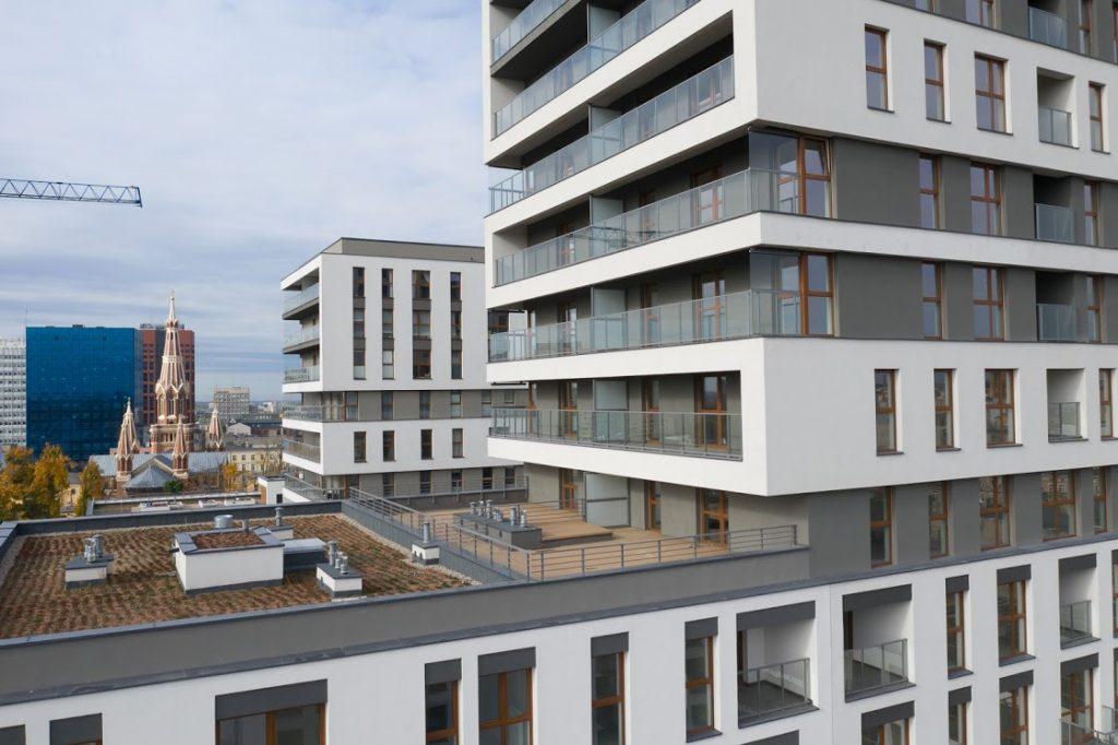 Zdjęcia z drona - nowy, atrakcyjny sposób na wzbogacenie materiałów ofertowych dla nowych inwestycji mieszkaniowych.