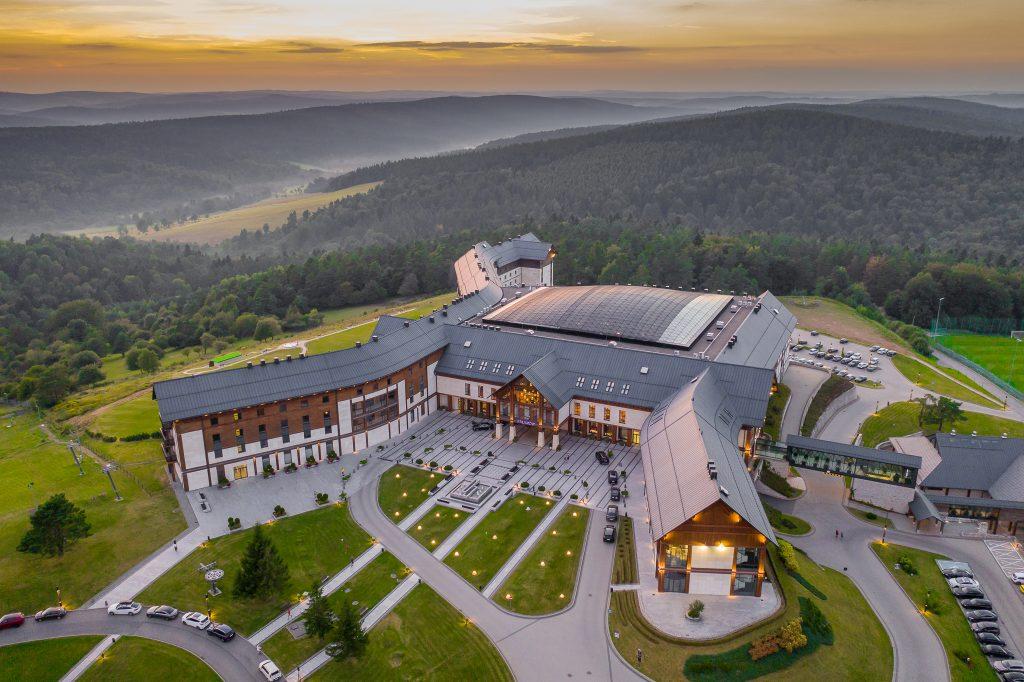 Hotel Arłamów - zdjęcie z drona