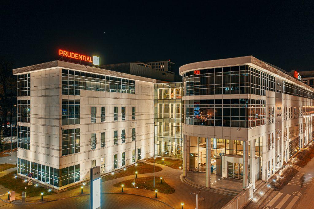 Prudential Łódź - nocne zdjęcie z drona